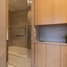 プレミアムヴィンテージマンションのリノベーション (洗面&バスルーム)