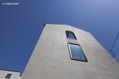 外観 (谷根千ペンシルハウス  東京の谷根千地区で完成した木造3階建ての住宅)