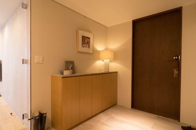 プレミアムヴィンテージマンションのリノベーション (玄関)