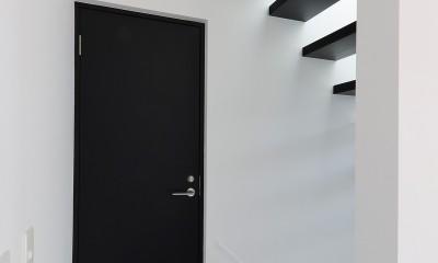 谷根千ペンシルハウス  東京の谷根千地区で完成した木造3階建ての住宅 (2階プライベートスペース)