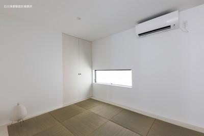 和室 (谷根千ペンシルハウス  東京の谷根千地区で完成した木造3階建ての住宅)