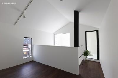 3階プライベート空間 (谷根千ペンシルハウス  東京の谷根千地区で完成した木造3階建ての住宅)