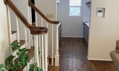 無垢階段手摺|ウインダミアの家