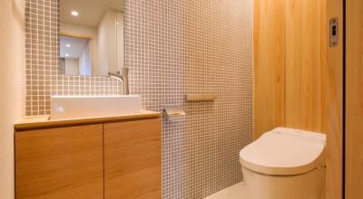 トイレ (新築分譲マンションのインテリア:東京.晴海 01)