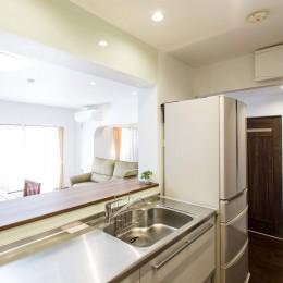 築21年のマンションを、暖かく手入れしやすい住まいへリノベーション (キッチン)