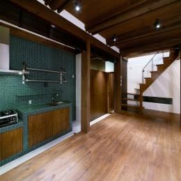Nzuri  昭和初期の面影を残す京町家を全面的にリノベーション (キッチン)