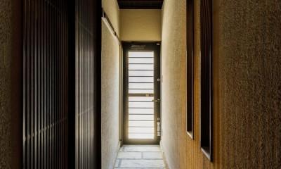 姫路・天満の家 主屋 (玄関 裏通路 通り土間)