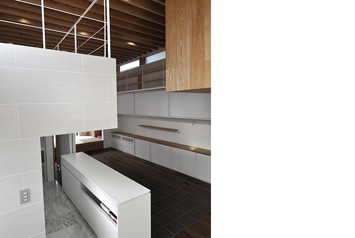 MN HOUSE 回遊できるロフトスペース (キッチン)