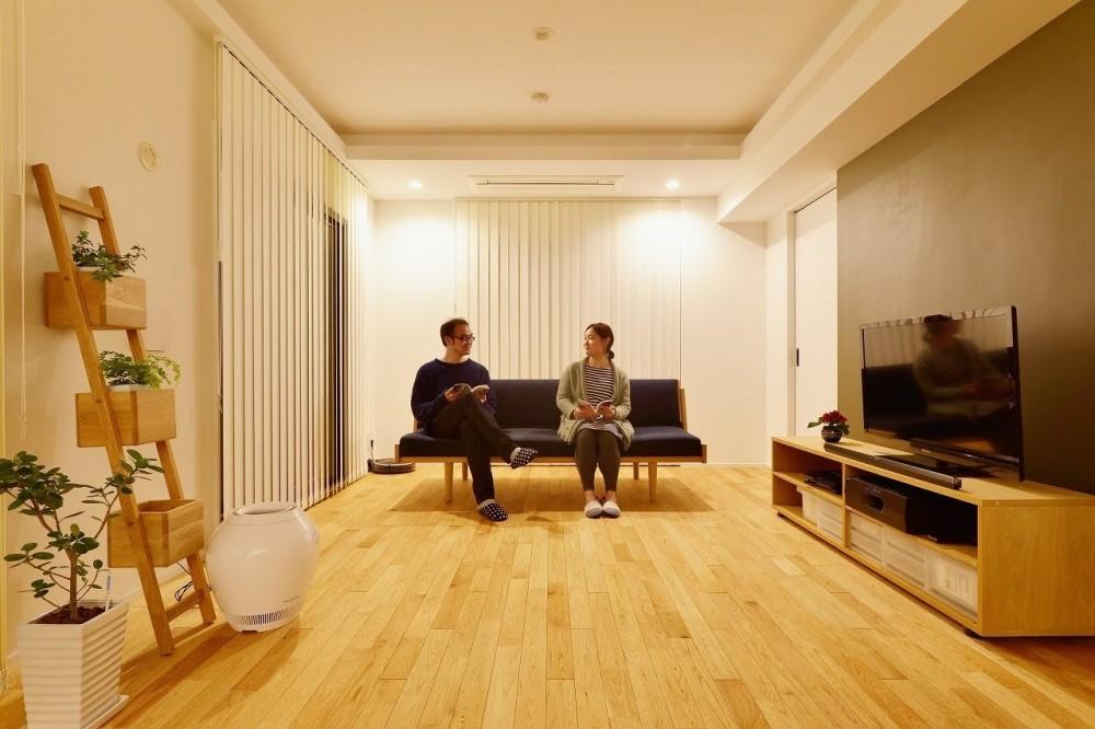 中古マンションを、北欧テイストのナチュラルな空間に (リビング)