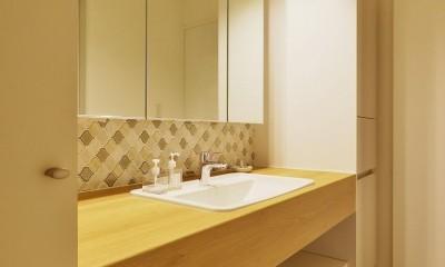 中古マンションを、北欧テイストのナチュラルな空間に (洗面台)