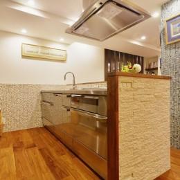 南国のリゾートホテルのような空間を東京の自宅で実現