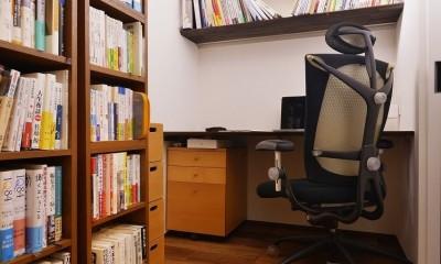 南国のリゾートホテルのような空間を東京の自宅で実現 (書斎)