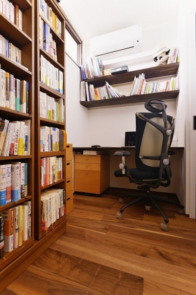 書斎 (南国のリゾートホテルのような空間を東京の自宅で実現)