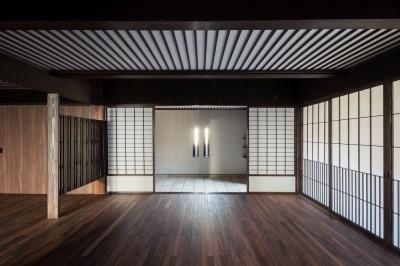 ホールと玄関 (姫路・天満の家 主屋)
