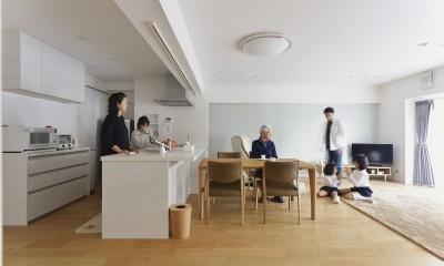 老後を見据え、家族で集える安心・快適な家にフルリノベーション