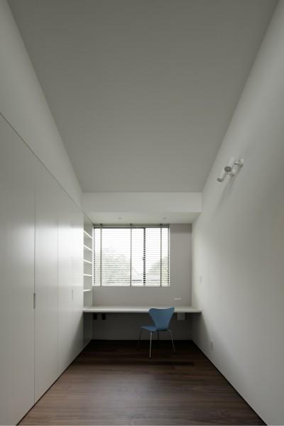 子供部屋 (三鷹の家~緑を望む大開口の家)