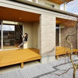 空気が澄む家 (中庭)