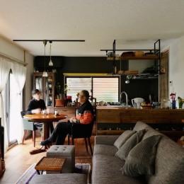 家で楽しく仕事できる、土間のある一軒家 (リビング・ダイニング)