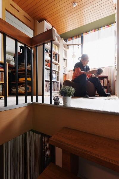 書棚 (家で楽しく仕事できる、土間のある一軒家)