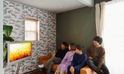 「見せる収納」で、ハワイのホテルのような空間にリノベーション