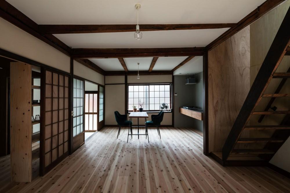 昭和小路の長屋II|賃貸向け京町家のシンプルリノベーション【京都市】 (ダイニング・キッチン)