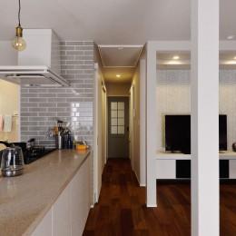 程よい距離を保てる二世帯住宅 (キッチン)