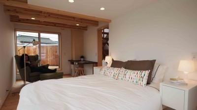 2F主寝室は夫婦のセカンドリビング (economa2)
