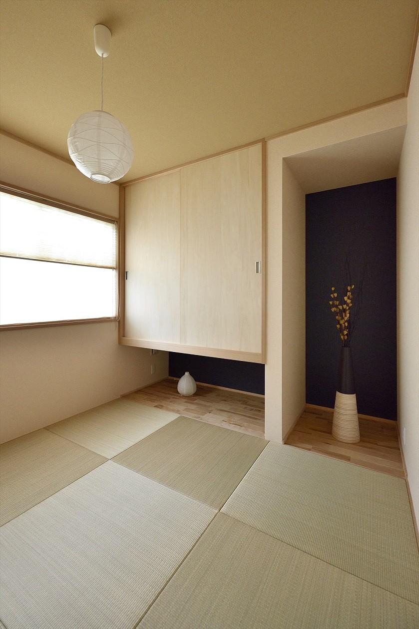アトリエのある白の家 (和室)