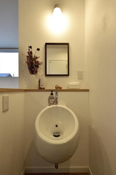 2F手洗い器 (アトリエのある白の家)