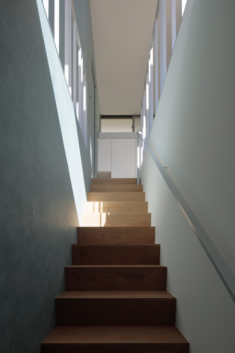 明大前の家 (階段)