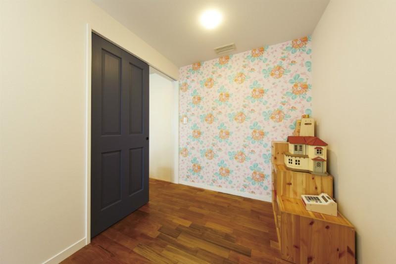 ヴィンテージマンションリフォーム 子供部屋とスタディースペースをつくる (子供部屋(妹さん側))