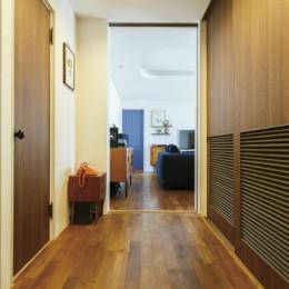ヴィンテージマンションリフォーム 子供部屋とスタディースペースをつくる (玄関)