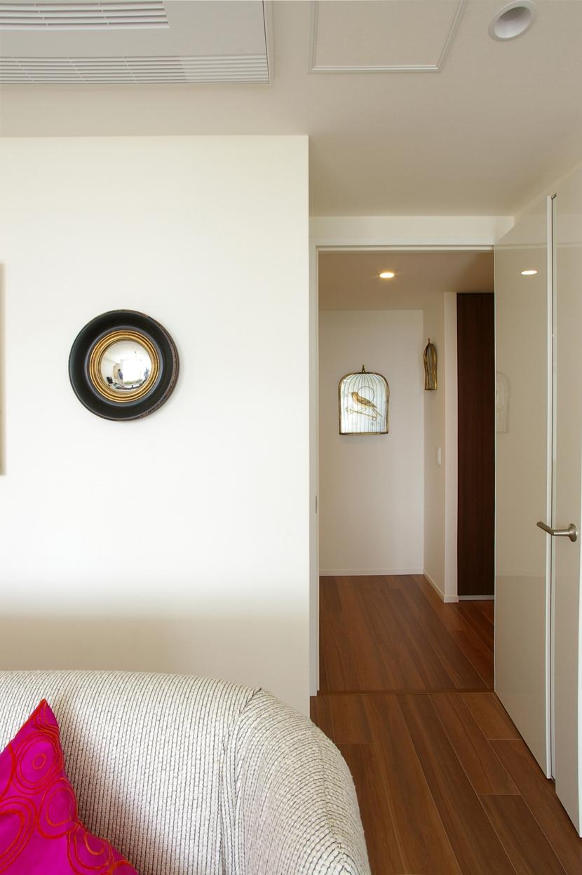 M邸 / 新築マンションのリフォーム (リビング、廊下)
