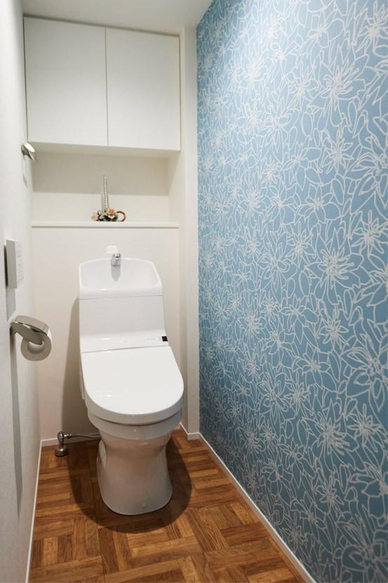 """心地いい小上がりやキッチンに、使いやすい洗面所。すべてが""""ちょうどいい""""間取り。 (内開きを外開きにして安心)"""