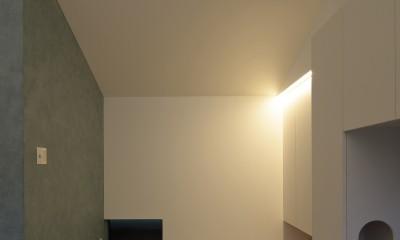 明大前の家 (畳コーナーの間接照明)