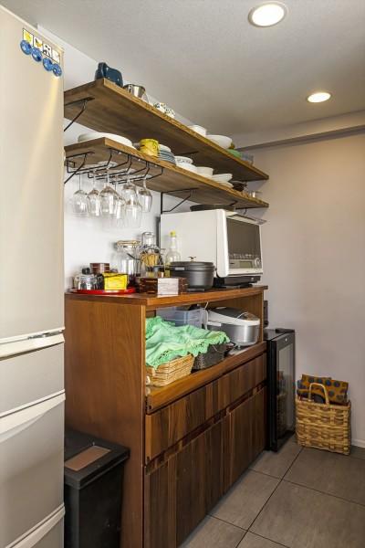キッチン収納 (I様邸_色彩が決め手の癒し空間)