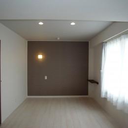 単身女性のためのたっぷり収納、シンプルリノベーション (寝室)