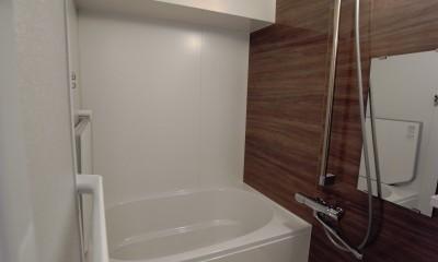 単身女性のためのたっぷり収納、シンプルリノベーション (浴室)