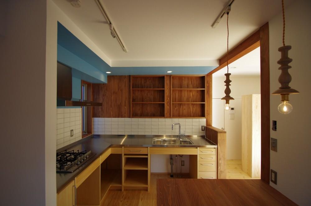 かもめ食堂のようなキッチンの家.柏市K邸 (キッチン1)