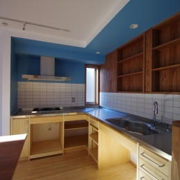 かもめ食堂のようなキッチンの家.柏市K邸