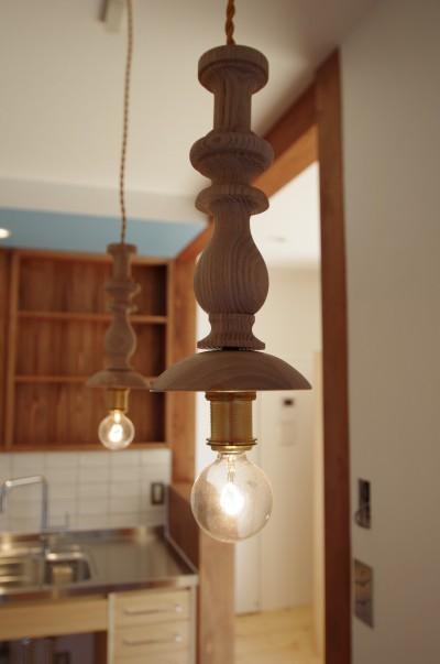 照明 (かもめ食堂のようなキッチンの家.柏市K邸)