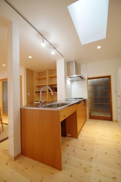 キッチン (陽廻りの家)