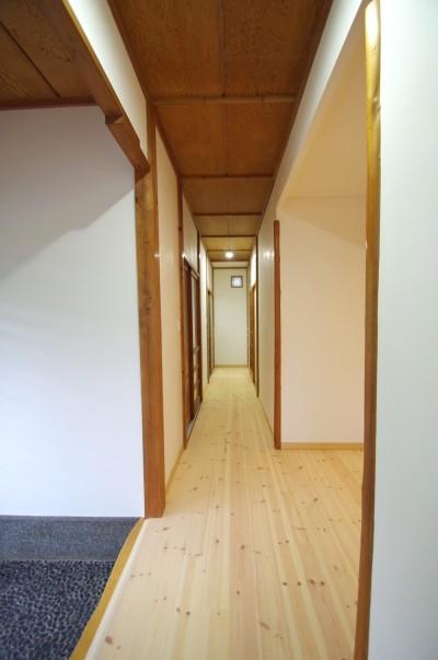 廊下 (陽廻りの家)