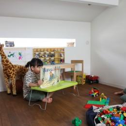 阿倍野の長屋  – 「5段の距離がいい」<リノベーション> – (ロフトは子供部屋 散らかっていても気にならない)