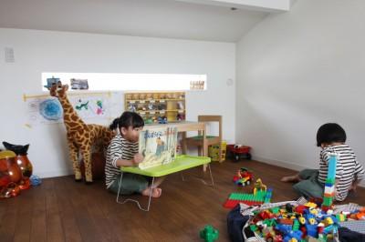 ロフトは子供部屋 散らかっていても気にならない (阿倍野の長屋  – 「5段の距離がいい」<リノベーション> –)