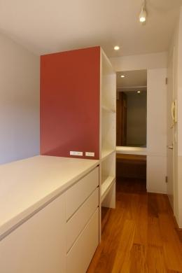 T邸 / 風が通り視線が通る、家全体を一日中使える小さな住まい (キッチン)