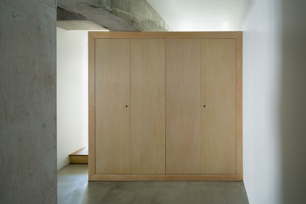 MOR  |  東中野の家 (玄関)