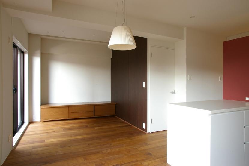T邸 / 風が通り視線が通る、家全体を一日中使える小さな住まいの部屋 リビング