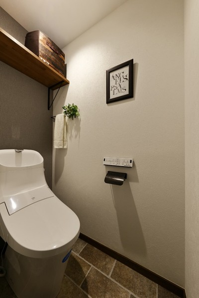 シンプルでお洒落なトイレ (将来の売却も見据えた家づくり)