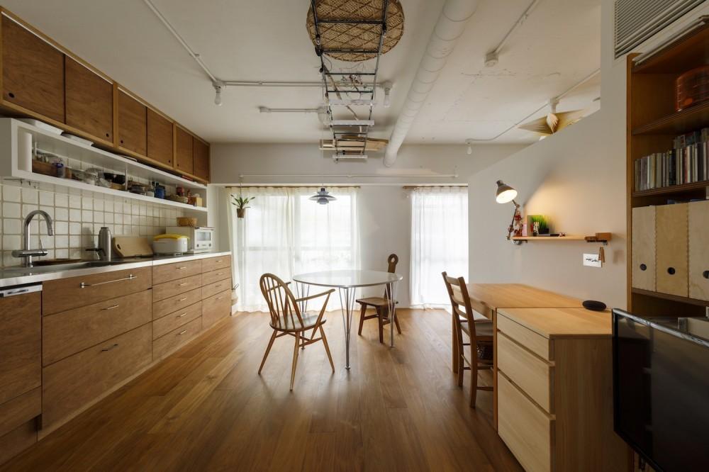リビングダイニング (塩梅-実現できる?50平米のコンパクトな家で家族それぞれのマイスペース)